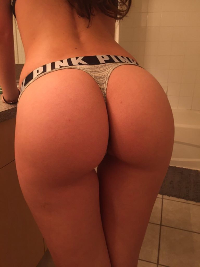 большие попки в стрингах фото порно